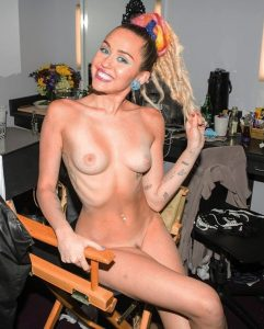 Miley Cyrus Fully Naked