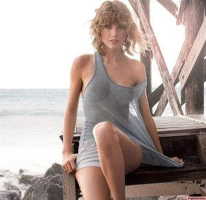 Stunning Taylor Swift Exposed Nipples